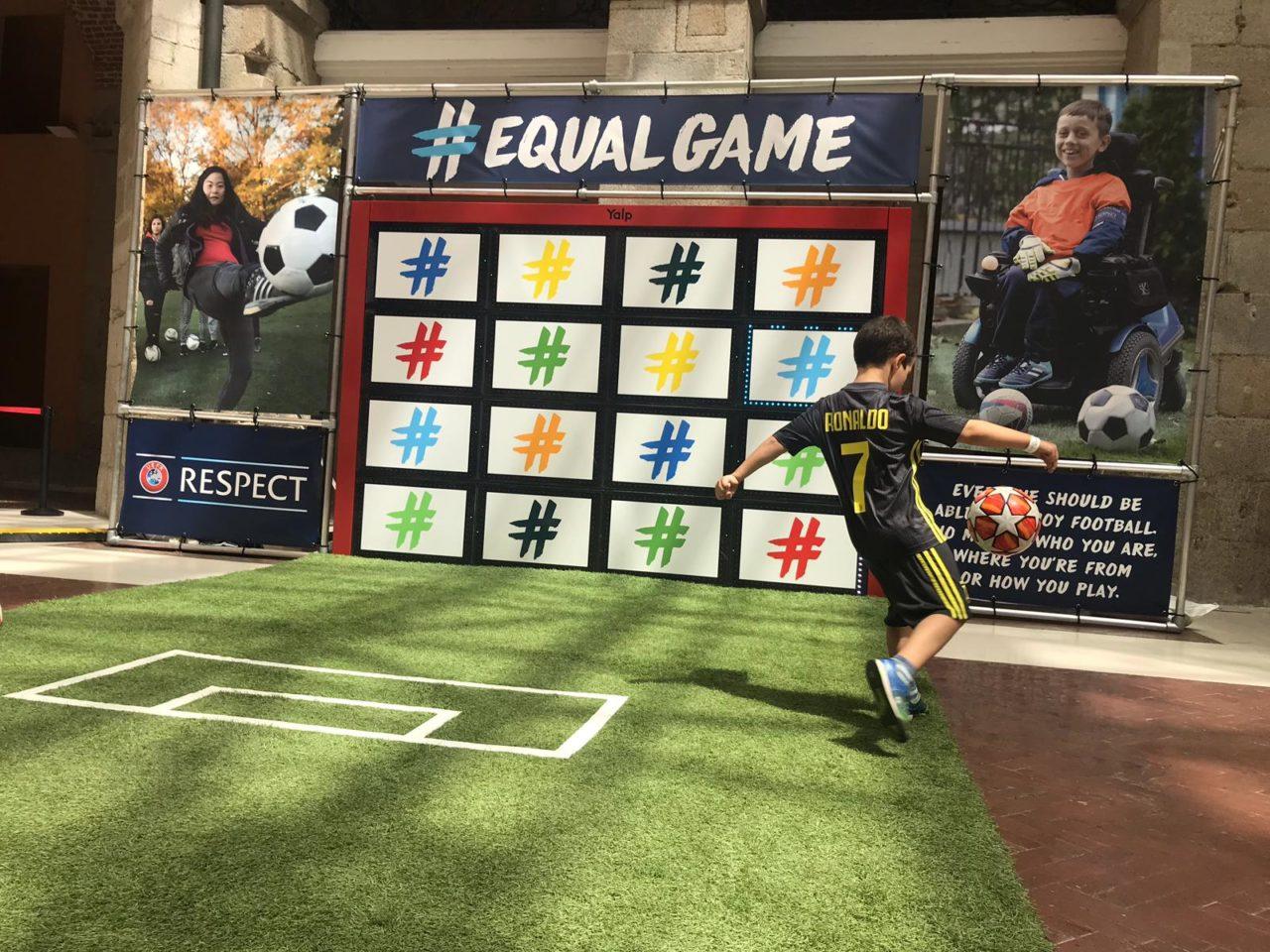Yalp Sutu - Fußballwand - UEFA Champions-League Finale in Madrid, der Handball-Weltmeisterschaft 2019 - in Zusammenarbeit mit FUSSBALLMARKT