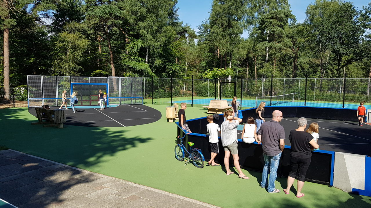 Yalp Sutu Fußballwand und Toro Mehrzwecksportplatz - RCN Ferienpark het grote Bos