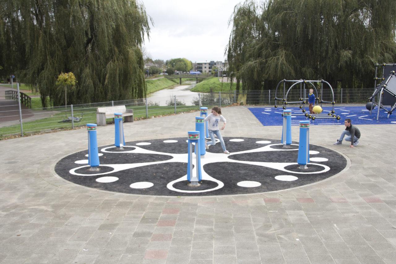 Yalp Memo - Play pillars - On the schoolyard in Rijssen (NL)