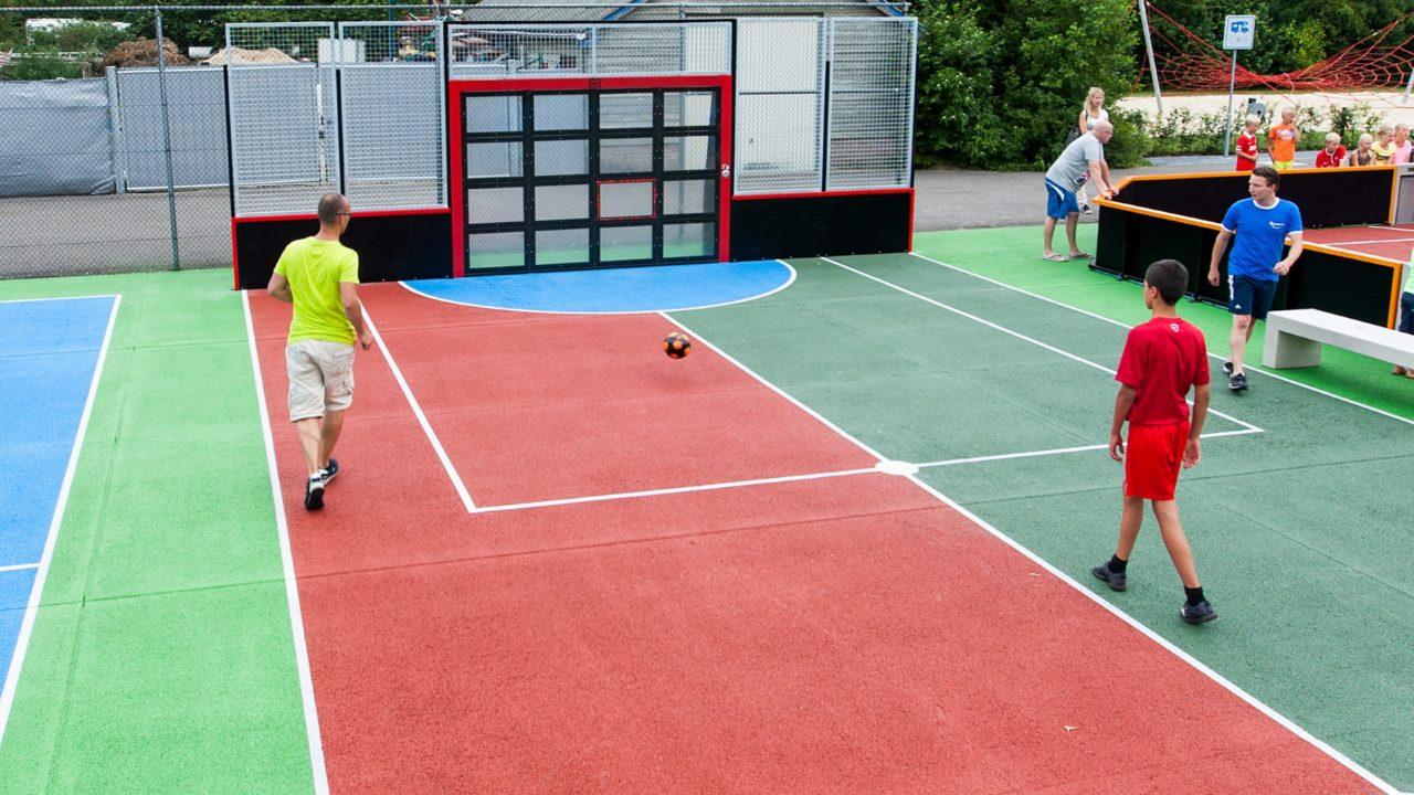 Yalp Sutu Interactive ball wall